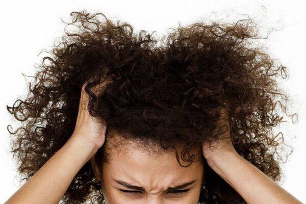 TRICHOTILLOMANIA – kiedy potrzeba wyrywania włosów jest silniejsza od Ciebie